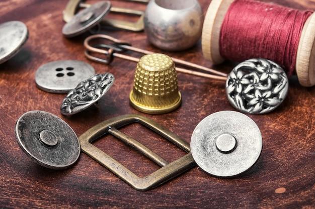 Ensemble de boutons de fer rétro