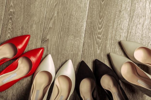 Ensemble de chaussures différentes