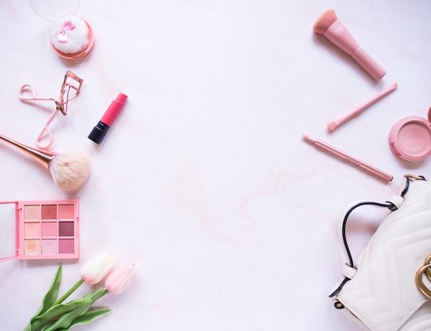 Ensemble de composition vue de dessus pour le maquillage professionnel