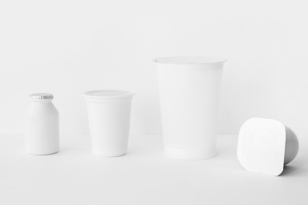 Ensemble de contenants de produits laitiers assortis