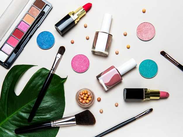 Ensemble de cosmétiques décoratifs