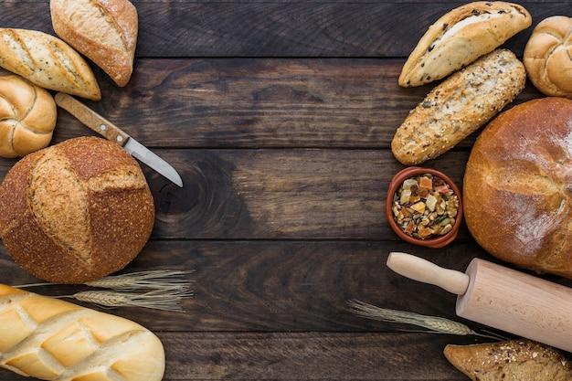 Ensemble cosy avec boulangerie et fruits secs