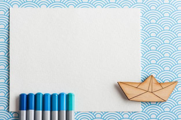 Ensemble de crayons de couleur turquoise