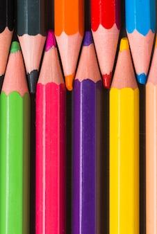 Ensemble de crayons multicolores