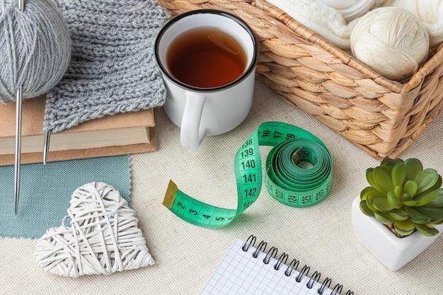 Ensemble de crochet à angle élevé avec fil et ruban à mesurer