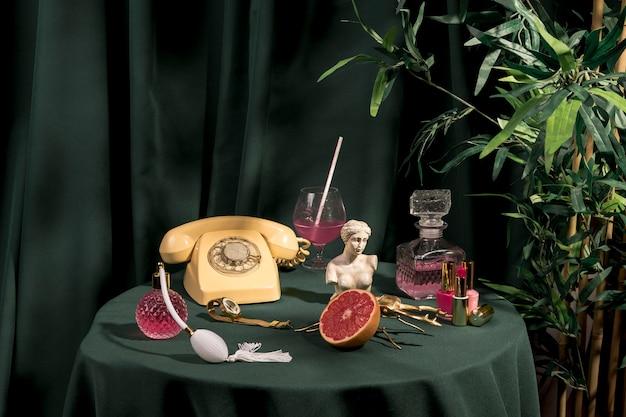 Ensemble de décorations de mode nature morte