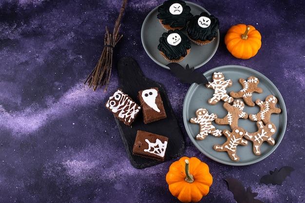 Ensemble de desserts effrayants d'halloween