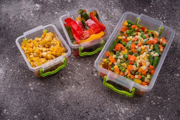 Ensemble de divers légumes surgelés