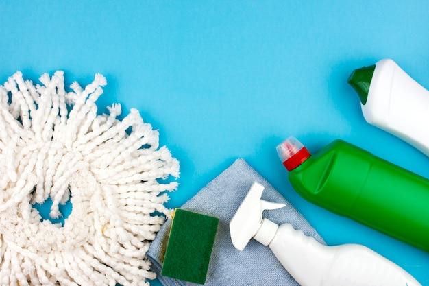 Ensemble de fournitures et d'outils de nettoyage
