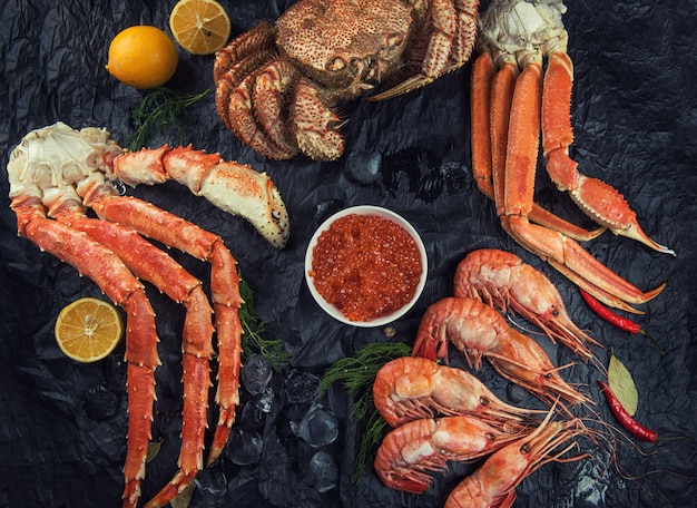 Ensemble de fruits de mer frais