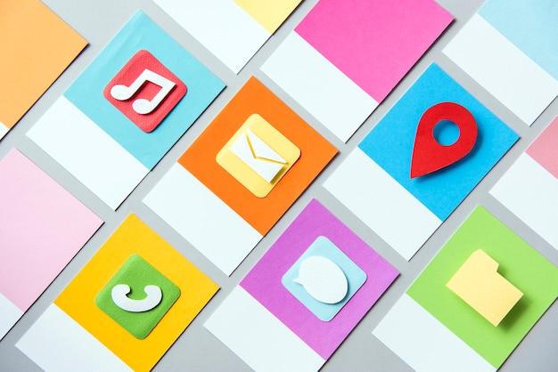 Ensemble d'illustration d'icône de médias sociaux