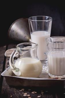 Ensemble de lait non laitier