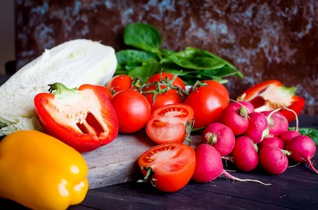 Ensemble de légumes pour la salade