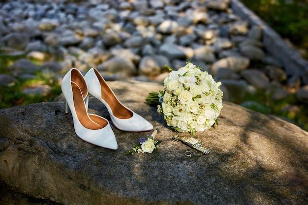 Ensemble de luxe d'accessoires de mariage