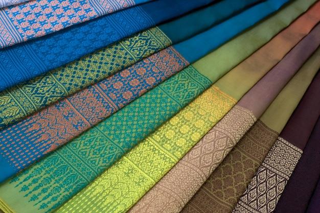 Ensemble de motifs textiles en soie thaïlandaise