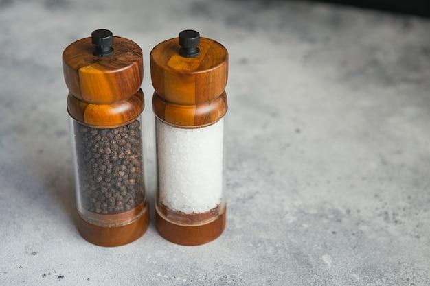 Ensemble de moulin à sel et poivre en bois pour la cuisine