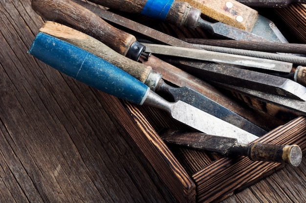 Ensemble d'outils à main de menuiserie