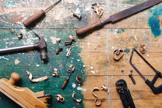 Ensemble d'outils de menuiserie vintage