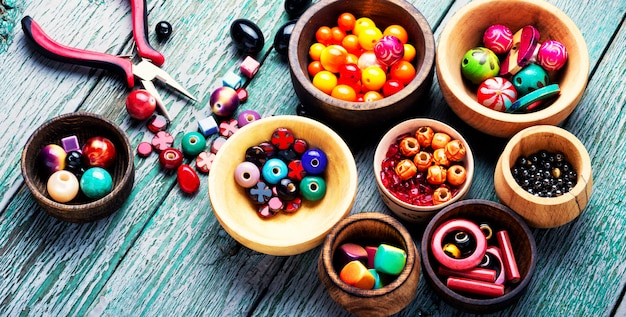 Ensemble de perles colorées