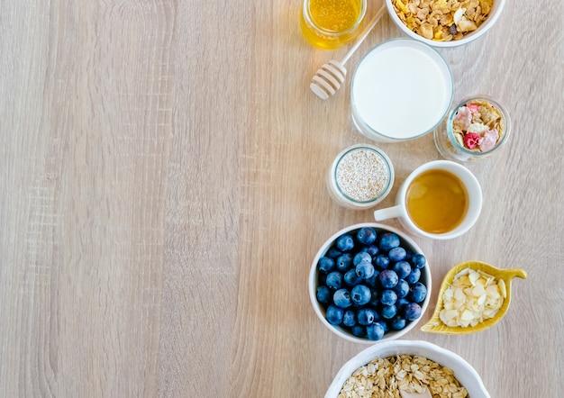 Ensemble petit-déjeuner sain
