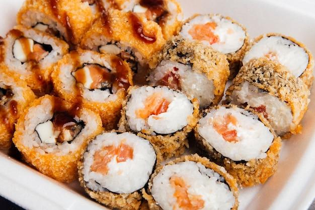 Ensemble de petits pains cuisine japonaise