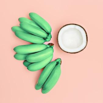 Ensemble de photos de mode bananes et noix de coco. rose vanille d'été