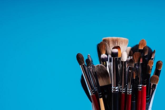Ensemble de produits cosmétiques féminins pour le maquillage