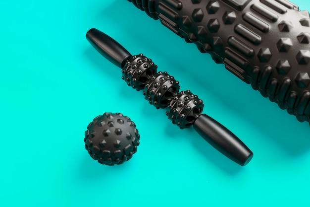 Ensemble de rouleaux de massage en mousse noire bosselée, rouleaux de corps et balles en caoutchouc