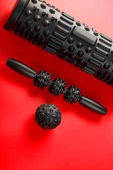 Ensemble de rouleaux de massage en mousse noire, de rouleaux de corps et de billes en caoutchouc