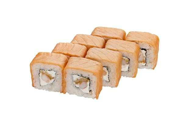 Ensemble de rouleaux de sushi au saumon, fruits de mer et fromage à la crème isolé sur fond blanc