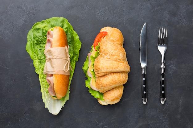 Ensemble de sandwichs faits maison vue de dessus