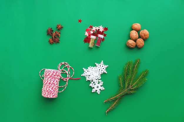 Ensemble de temps de noël décor naturel pour les cadeaux