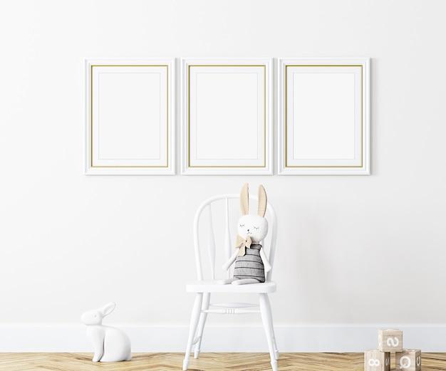 Ensemble de trois maquettes de cadres blancs sur fond blanc