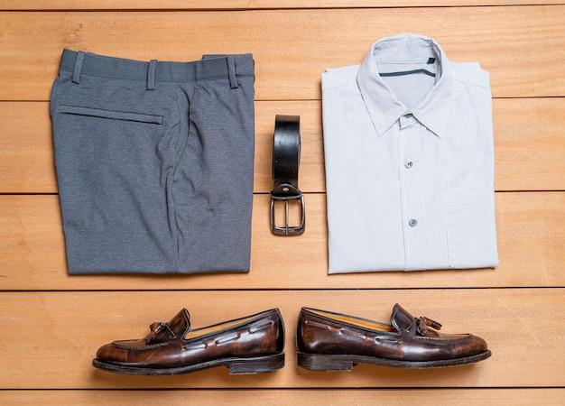 Ensemble de vêtements et de vêtements décontractés