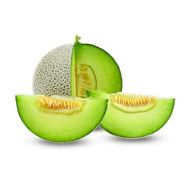 Entier et tranche de melons japonais, melon vert isolé sur blanc
