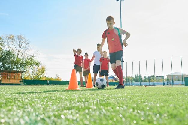 Entraînement de l'équipe de football junior