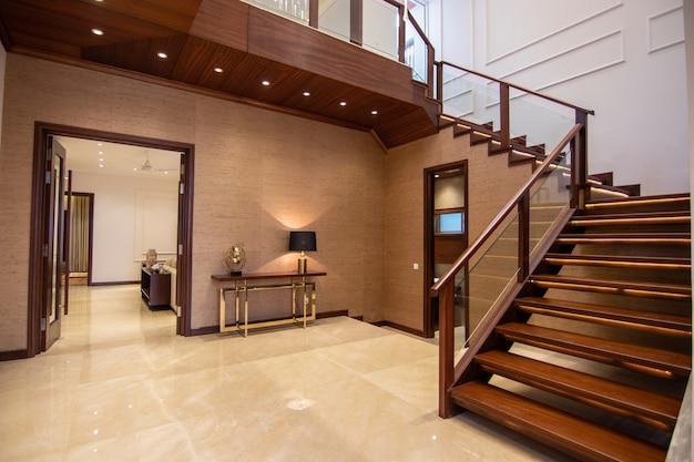 Entrée de maison moderne et de luxe