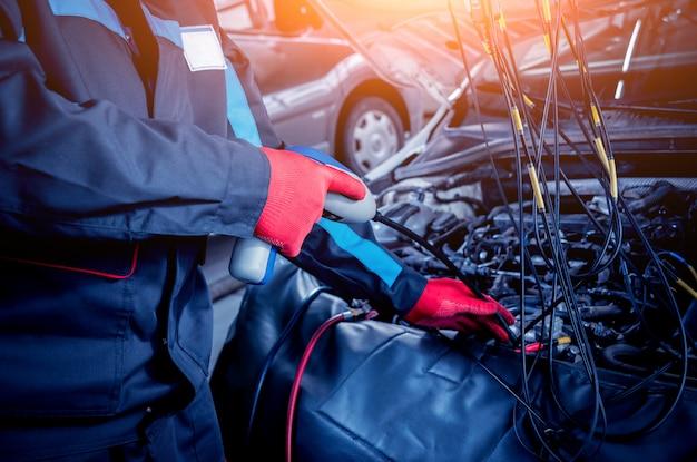 Entretien du climatiseur de voiture. station service.