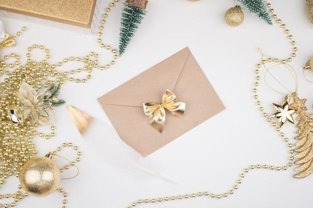 Enveloppe de lettre au père noël noël nouvel an 2021 décor bokeh