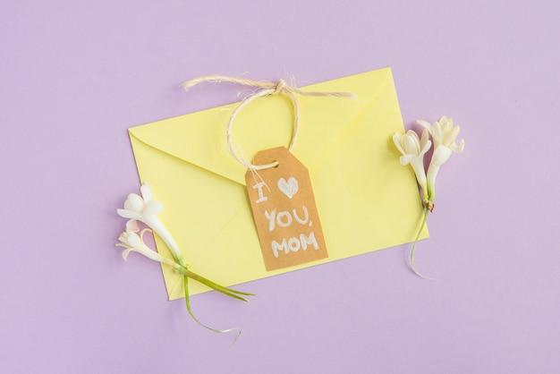 Enveloppe pastel pour la fête des mères