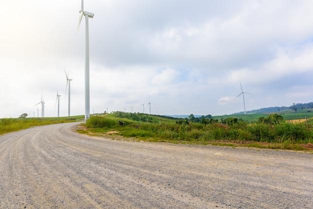 Éolienne pour la production d'électricité à khao kho, petchaboon, thaïlande