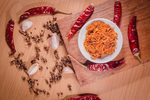 Épicé et piment blanc