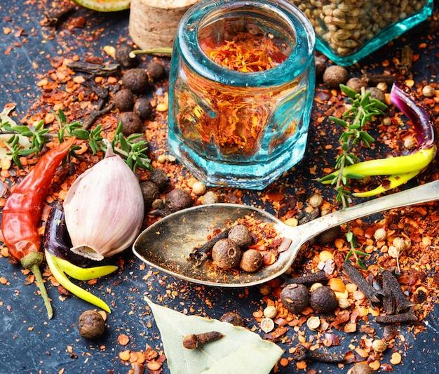 Epices et herbes pour la cuisine