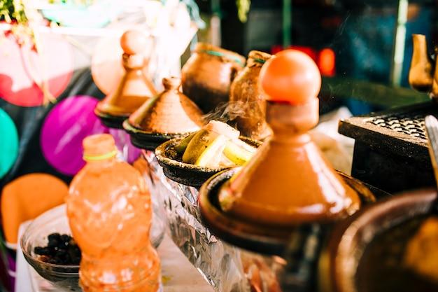 Épices sur le marché au maroc