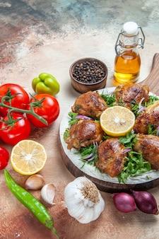 Épices tomates poivrons sauce épices huile poulet aux herbes citronnées