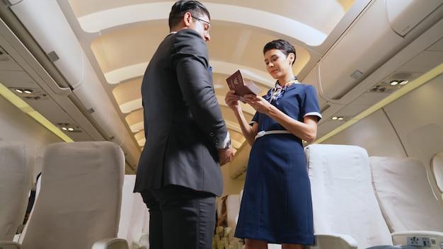 Équipage de cabine de passagers en avion