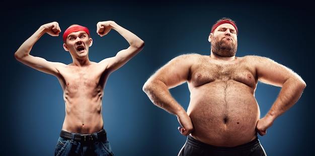 Une équipe amusante de geeks gras et minces montre leurs muscles
