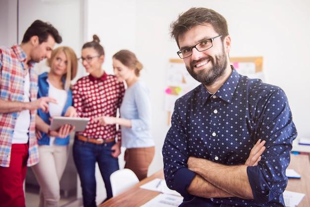 Équipe de collègues de travail. concept de gestionnaire