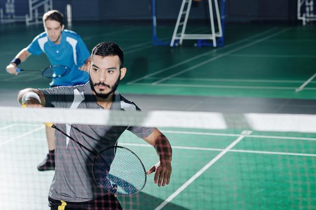 Équipe double de badminton