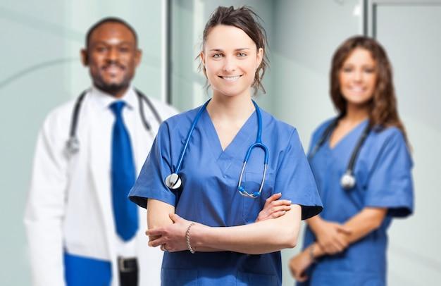 Équipe médicale multiethinc